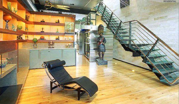 Sala en Loft con escalera