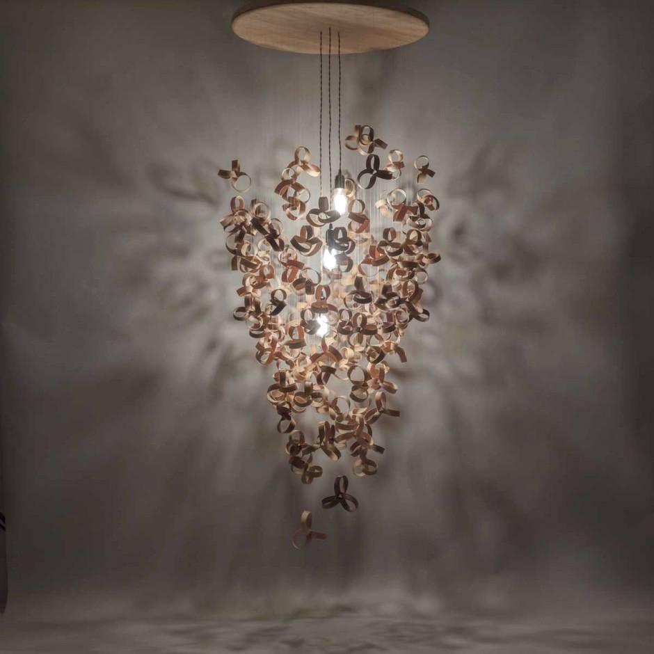 lámpara araña de madera