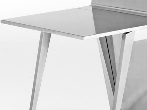 monolith-mesa-y-sillas-para-ahorrar-espacio-3