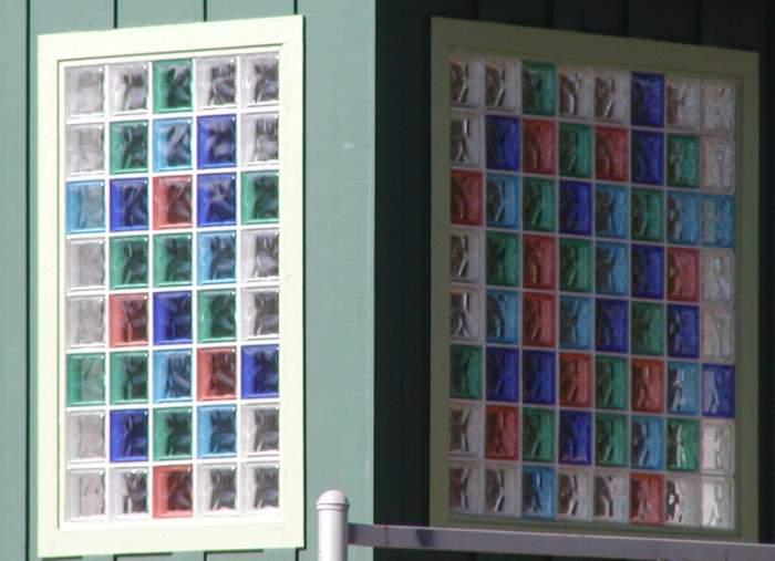 ladrillos de cristal como ventana de colores