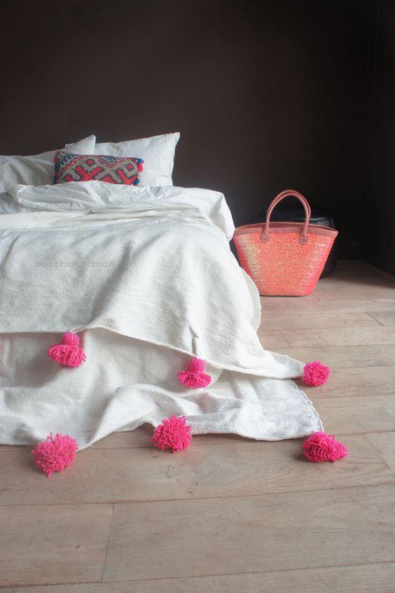 pompones y borlas para los textiles