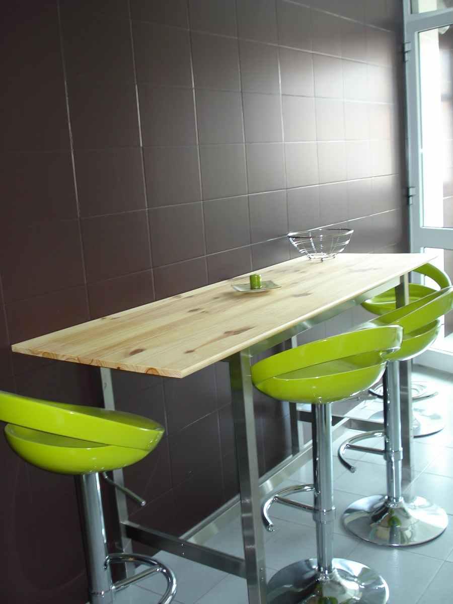 Renovar interiores con pintura para azulejos for Pintura para azulejos