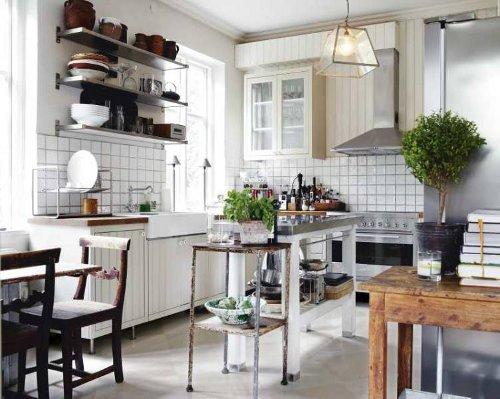 cocina con pared de azulejos