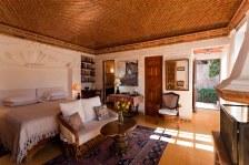 Master bedroom suite 4