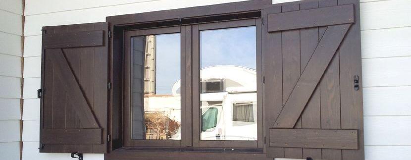 ventanas en las casas de madera