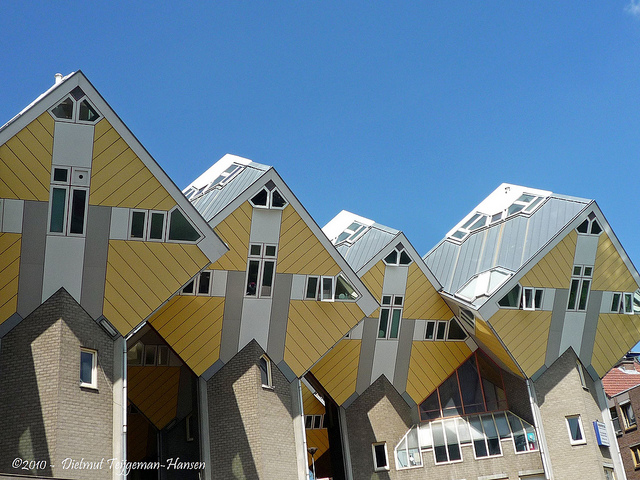 Cubic_Houses_12