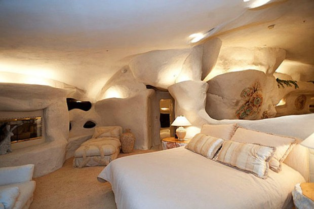 the-flintstones-house-07