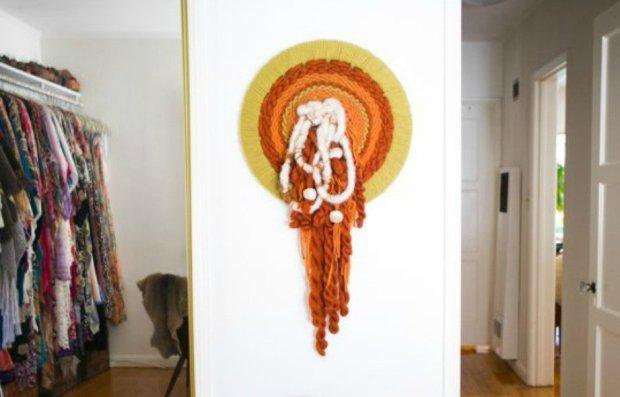 Χειροποίητο διακοσμητικό φτιαγμένο με μαλλί.