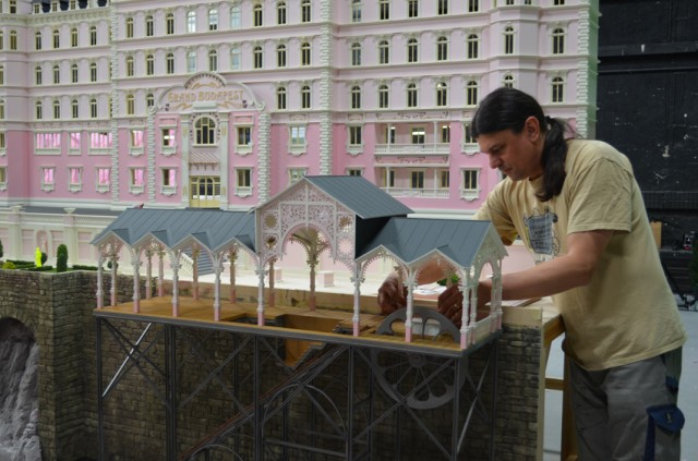 Modelmaker-Alex-Friedrich-works-on-the-hotel-miniature-640x423