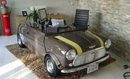 Mini-Cooper-desk-table