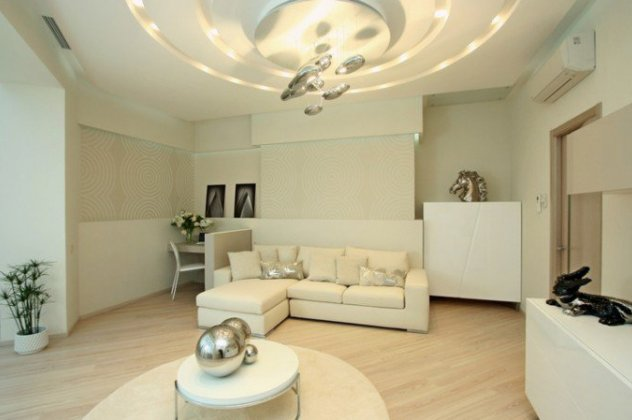 bright-lighted-living-room-718x449
