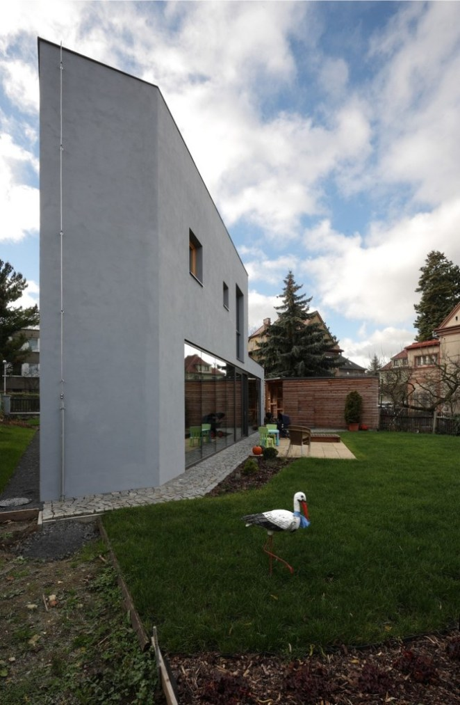 House-Teplice-by-3-1architekti-17-669x1024