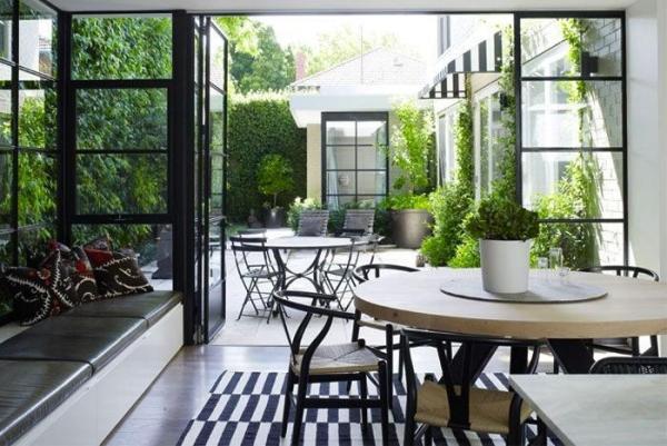 gardenista-b-w-terrace
