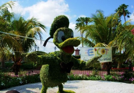 disney-characters-made-of-flowers-photos-07-550x381