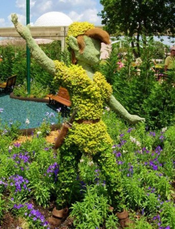 disney-characters-made-of-flowers-photos-12-343x449