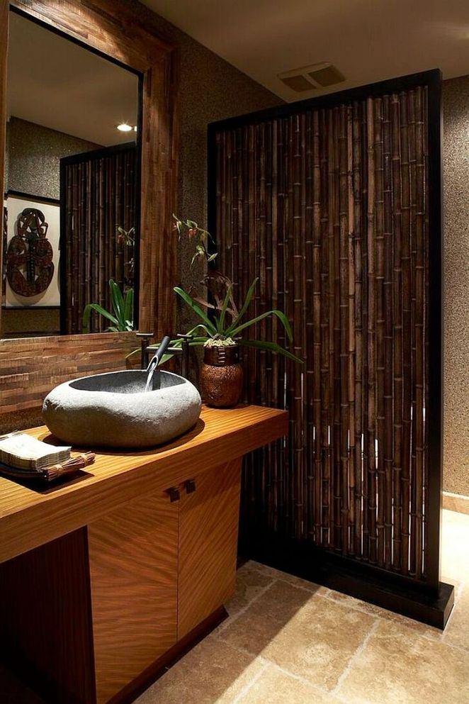 Custom-bamboo-divider-for-the-tropical-powder-room