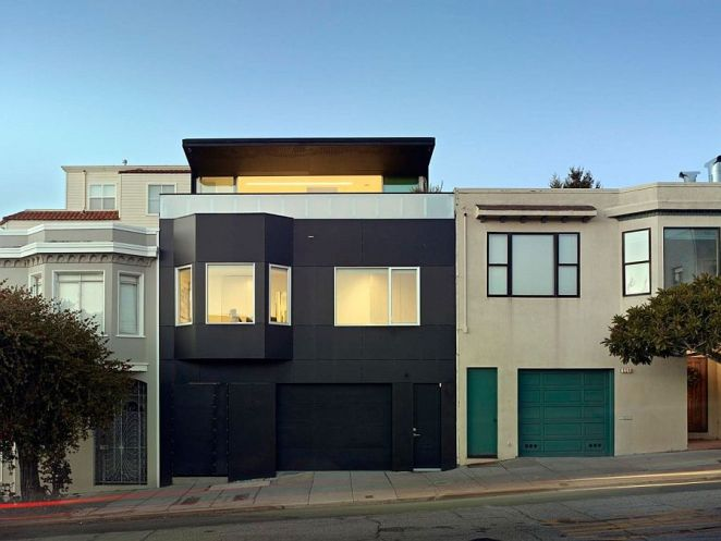 Revamped-exterior-of-San-Francisco-home-offers-a-striking-budget-friendly-option