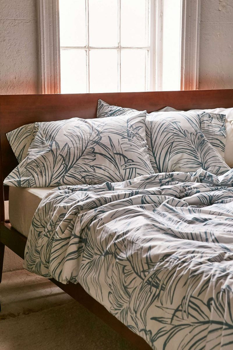 Tropical-bedding-from-Urban-Outfitters