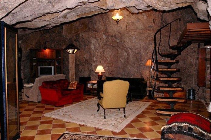 arizona-cave-home-05