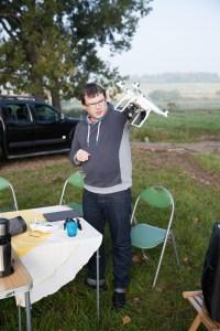 JC prépare son drone ..
