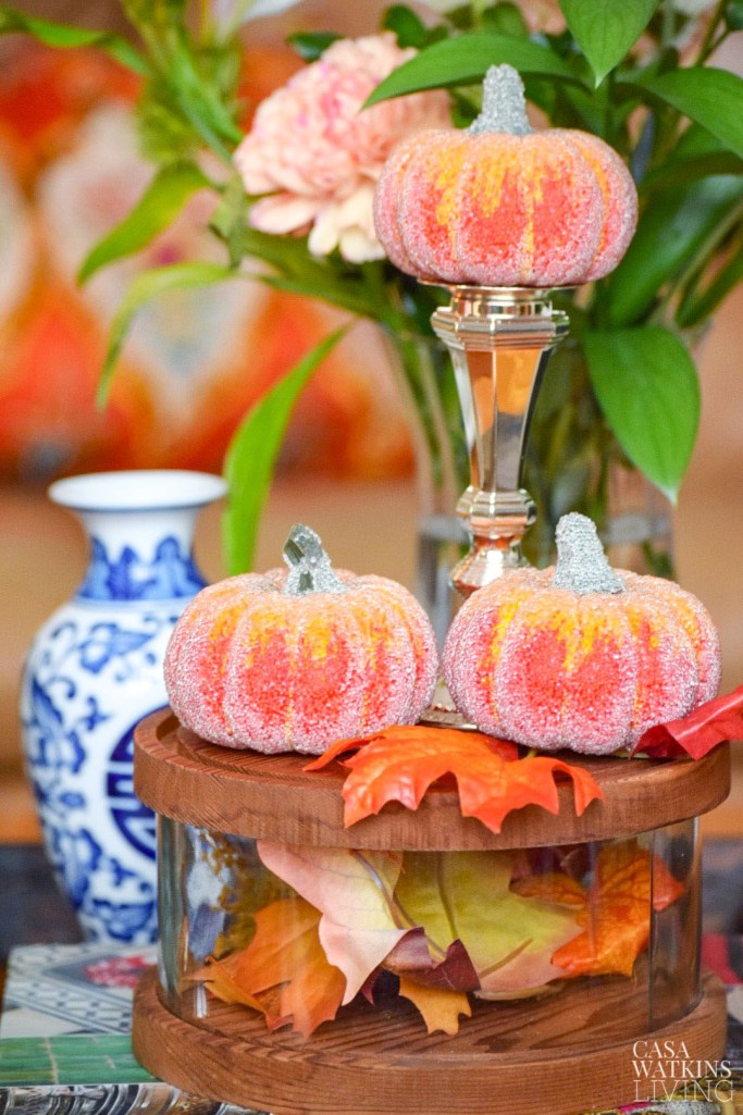 easy fall decorating with pumpkins and leaves