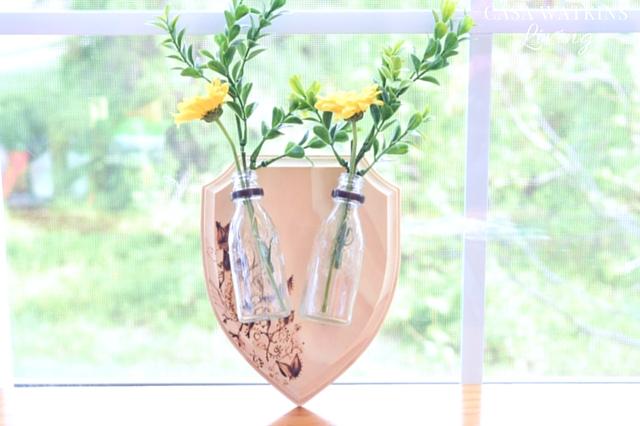 DIY-Rustic-Mounted-Vase-Wall-Plaque (1)