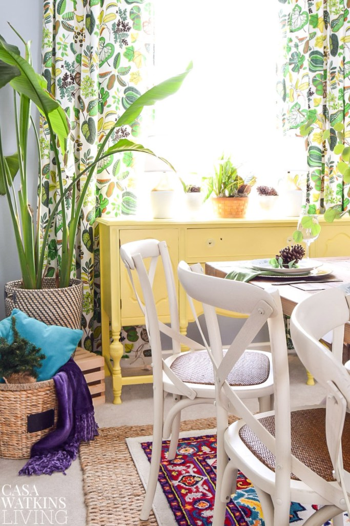using plants in winter decorating in dining room