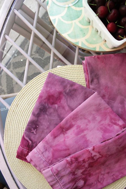 DIY ice dyed napkins