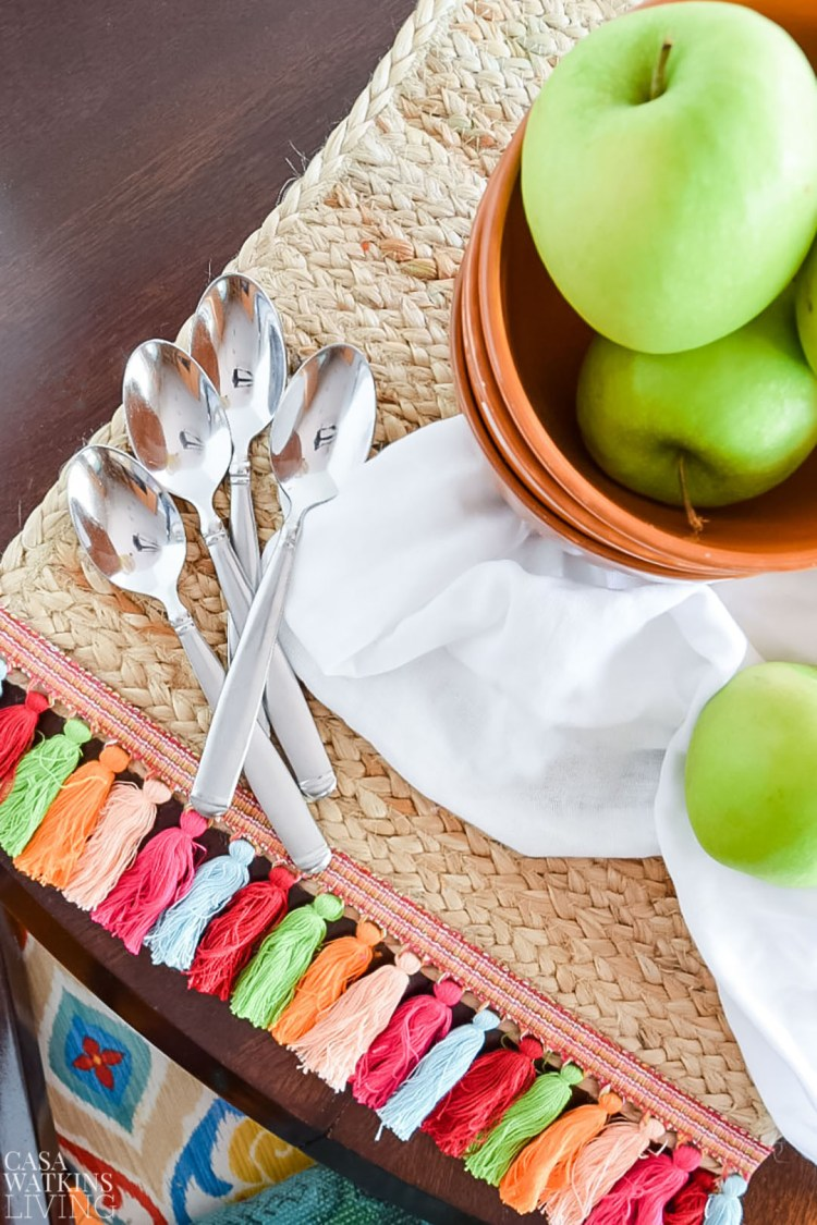how to make placemats with tassels