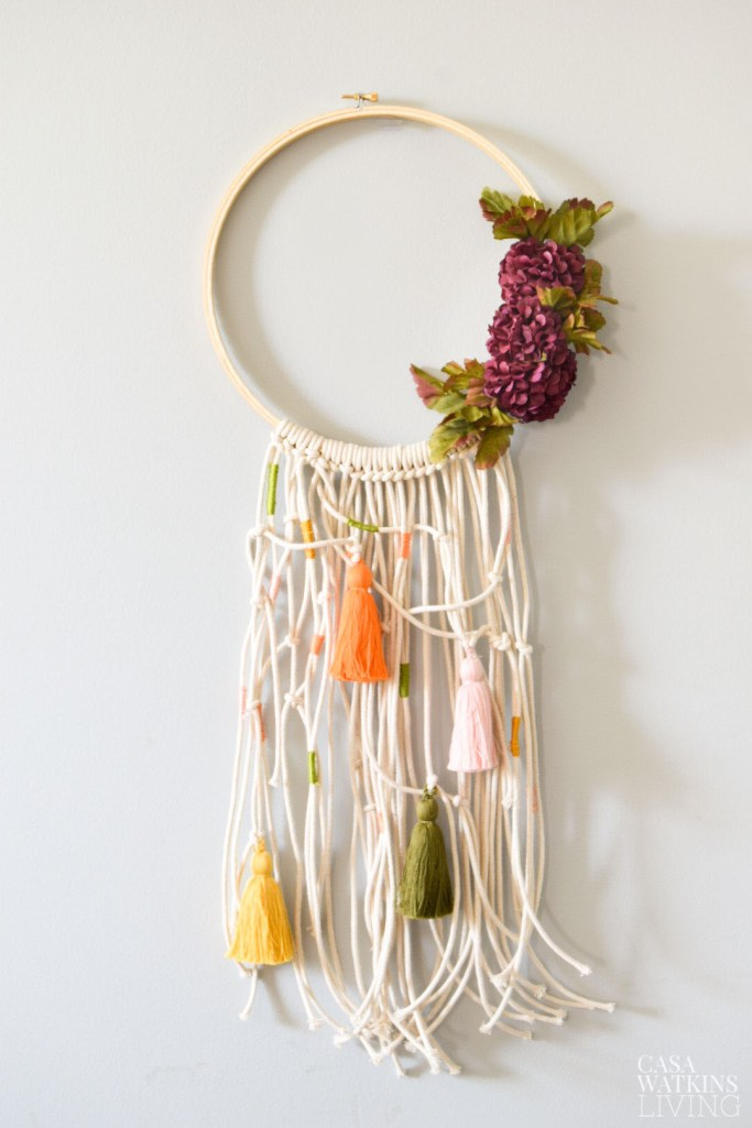 simple macrame fall wreath with embroidery hoop
