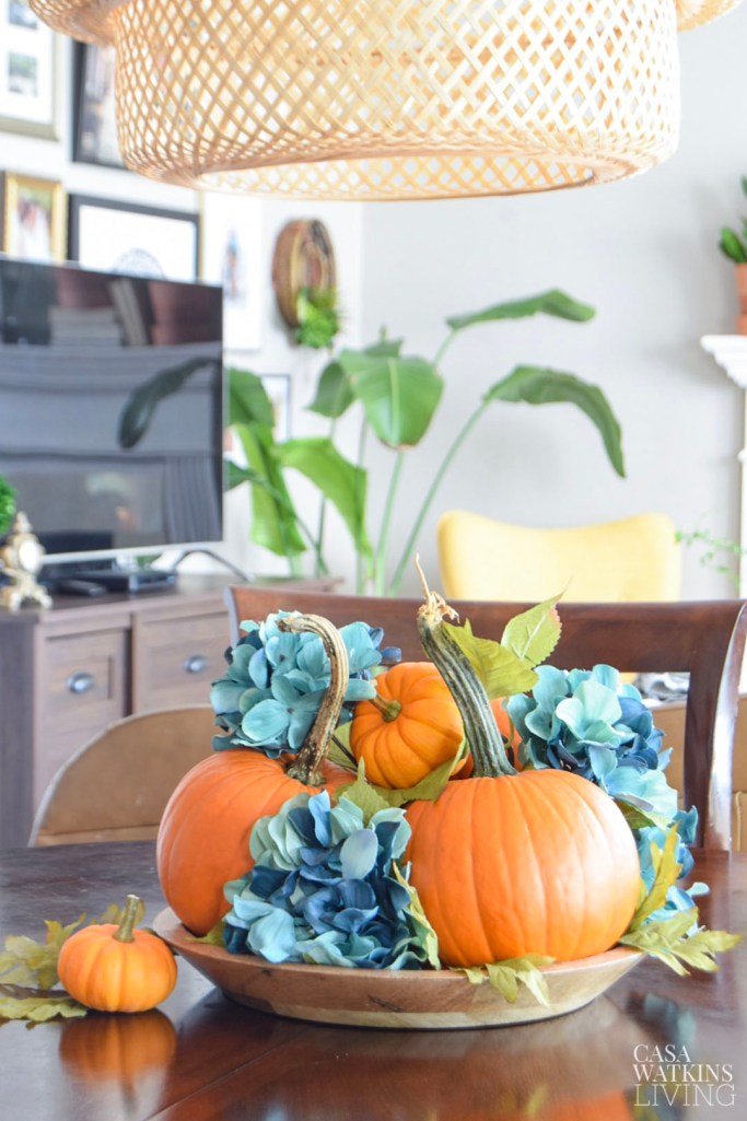 simple pumpkin centerpiece idea