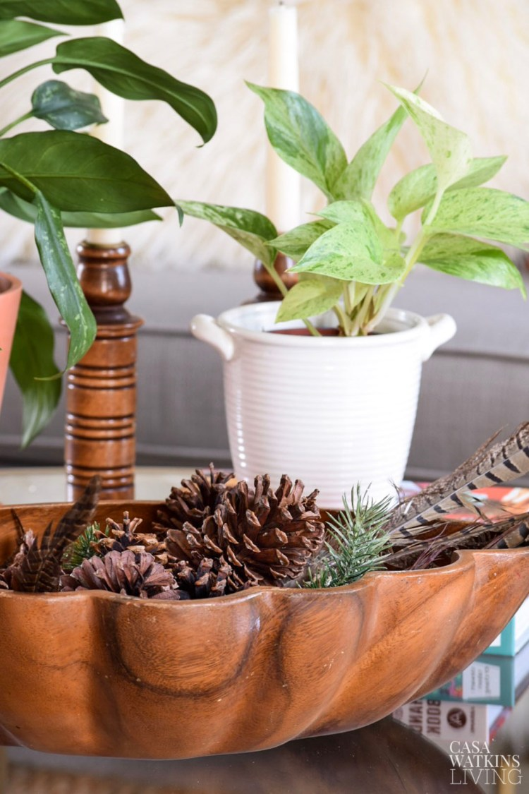holiday ideas to do now! winter pinecone boho table decor
