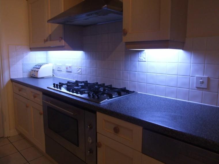 iluminación led cocina horno azul tradicional