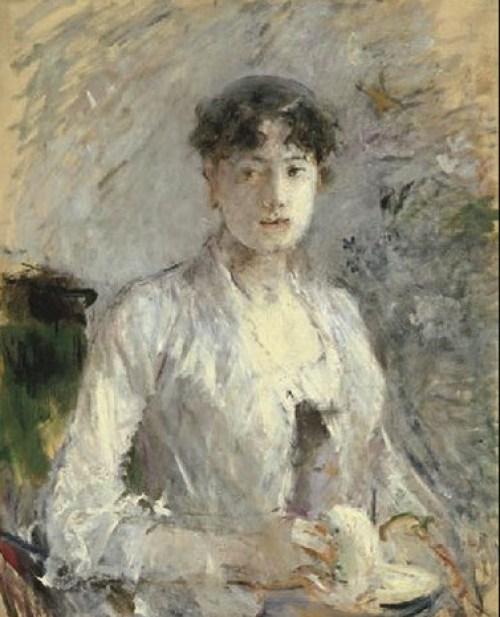 Jeune femme en mauve