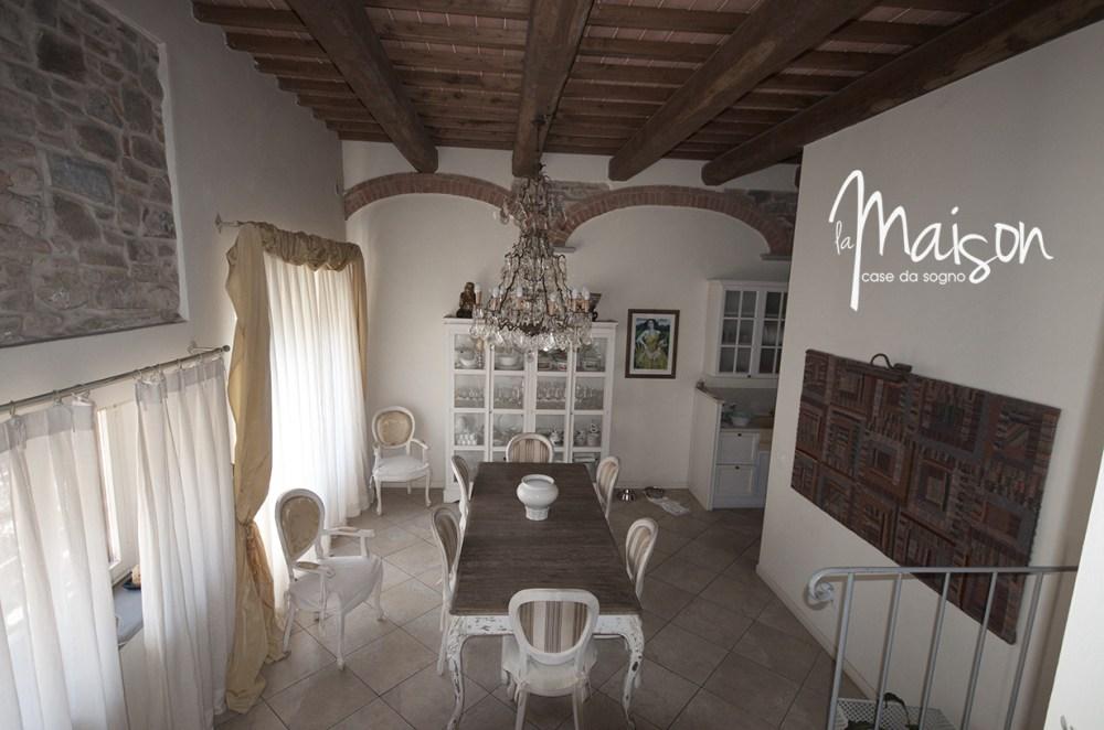 vendesi colonica vaiano agenzia immobiliare la maison case da sogno prato07