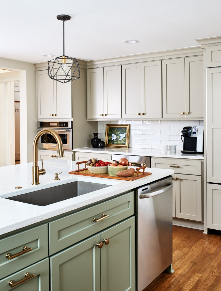 Case remodeling kitchen island with sink and dishwasher