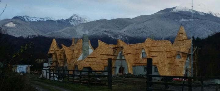 Castelul de lut – o poveste adevarata, din Romania