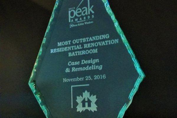 peter_kholer_peak_award_case_design_halifax