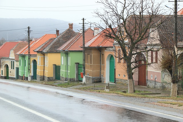 Romanian houses - Countries for Kids - CASE OF ADVENTURE .com
