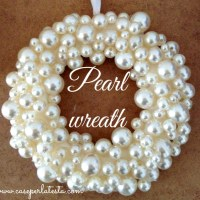 Decori di Natale: corona di perle fai da te * Christmas decorations: diy pearl wreath