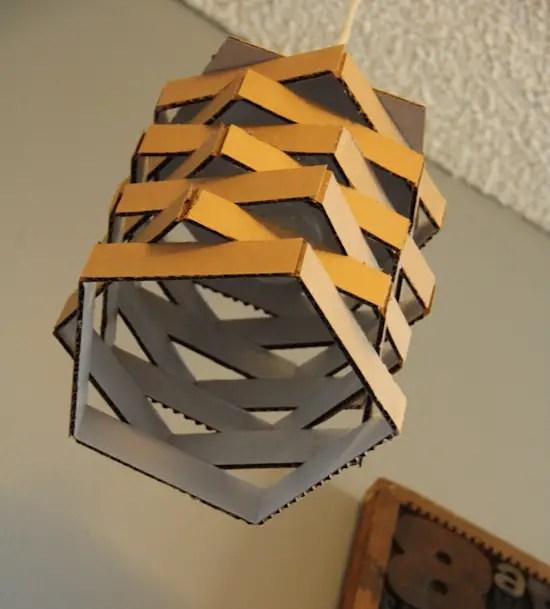 Ce poti face cu o cutie de carton este impresionant