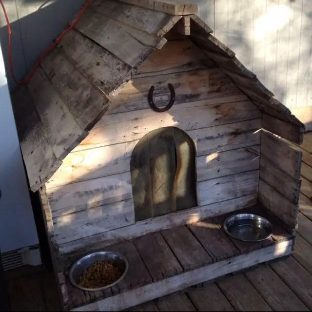 construirea unei custi de caine how to build a dog house with pallets 4