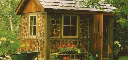 Constructia unei magazii din lemn in gradina