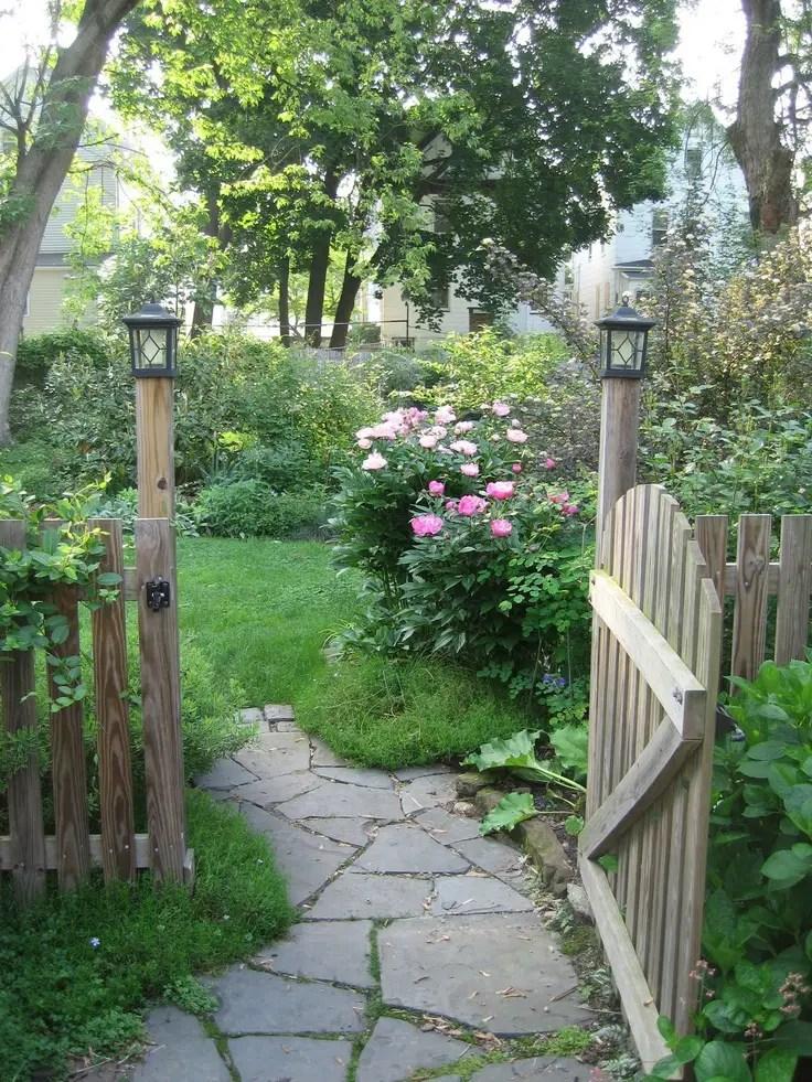 Modele de garduri rustice din lemn for Modele de jardin anglais