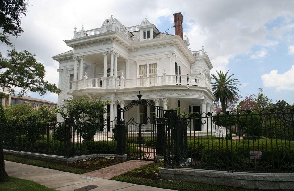 Garduri din fier forjat modele pentru case moderne for Modele de garduri pentru case