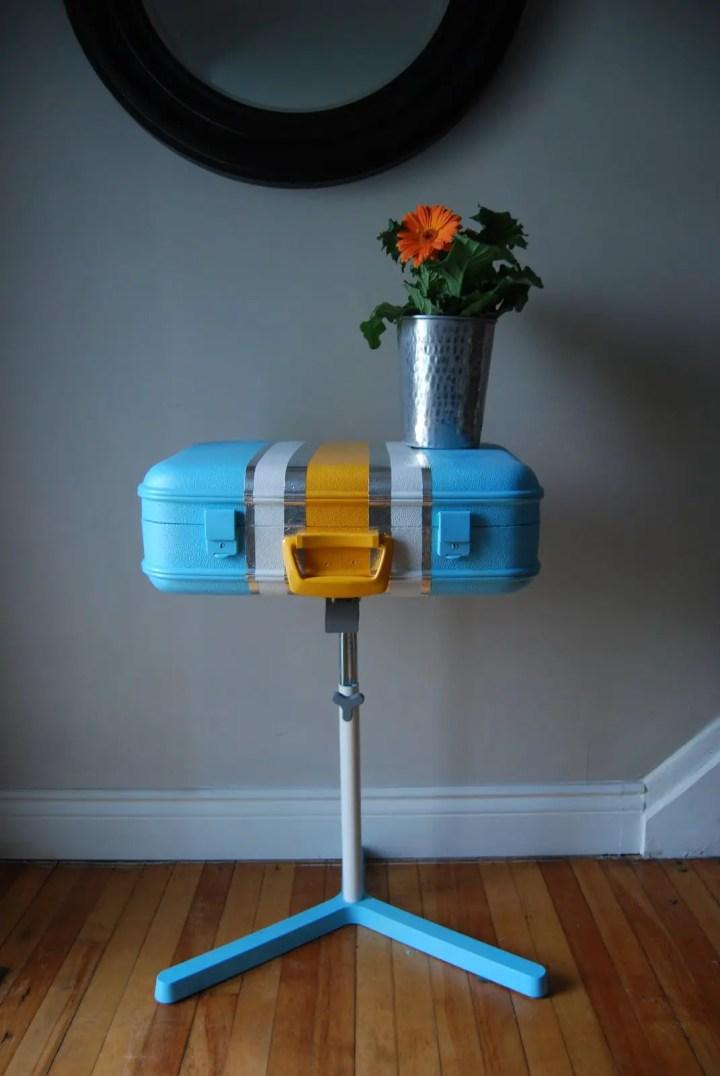 ce poti face cu valizele vechi Repurposing old suitcases 7