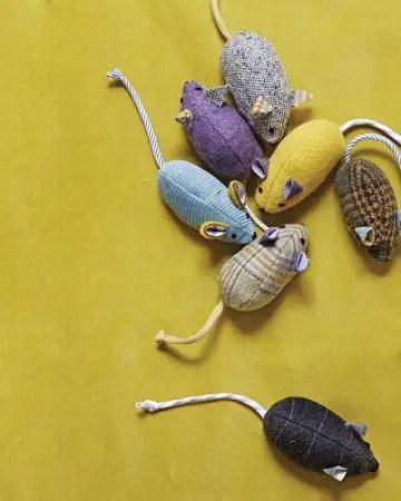 Obiecte utile din resturi textile reciclate