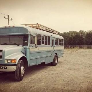 Casa din autobuz scolar