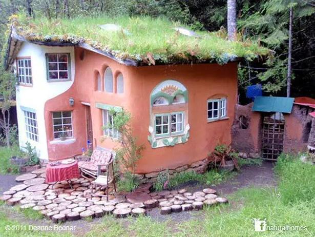 case ecologice construite din lut Natural cob houses 14