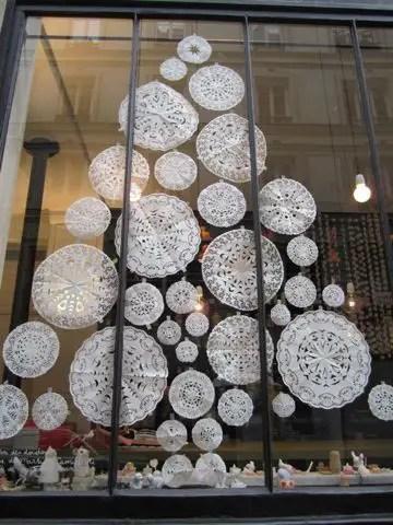 decorarea geamurilor de craciun Christmas window design ideas 16